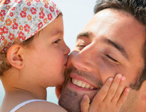 """Tratamiento no quirúrgico de las orejas despegadas (""""moldeado auricular"""")"""